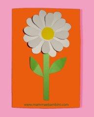 Festa della mamma: biglietto con margherita