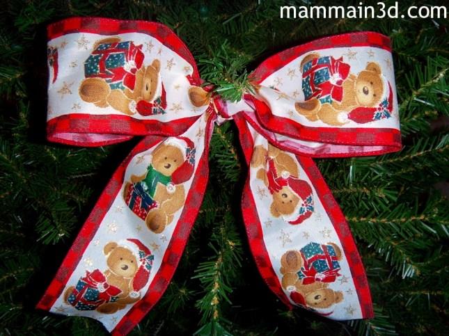 Decorazioni sull'albero per aspettare Babbo Natale