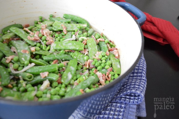 cast-iron-dutch-oven-paleo-recipe-green-peas