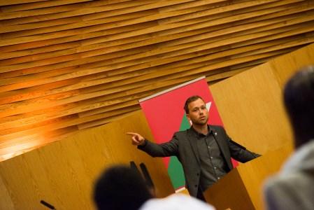 SV sliter med interne uenigheter, mener artikkelforfatteren. Her ved partileder Audun Lysbakken. Foto: Christoffer Horsfjord Nilsen.