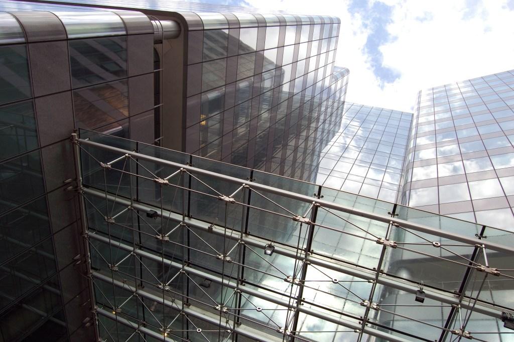 Et økonomisk elfenbenstårn. Canary Wharf, London. Foto: Herve Boinay/Flickr