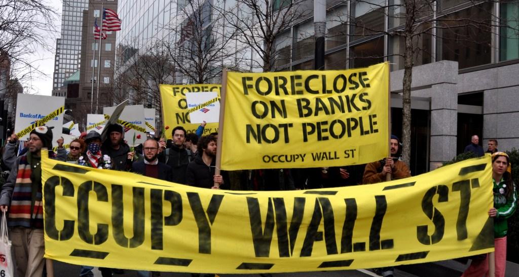 Konkuranse med tapere og vinnere er en del av kapitalismen og frihandelen, hevder økonom Anwar Shaikh. Her fra Occupy Wall Street 16. mars 2012. Foto: Michael Fleshman/Flickr.