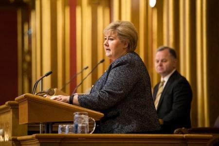 Erna Solberg på stortingets talerstol. Foto: Stortinget
