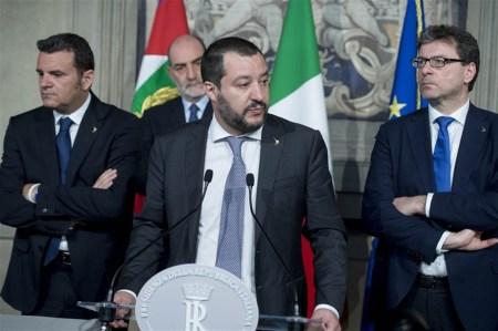 Høyrepopulist og innenriksminister i Italia Matteo Salvini i Palazzo del Quirinale, den offisielle residensen til Italias president, sammen med en delgasjon fra sitt parti Lega i 2018. Foto: Presidenza della Repubblica