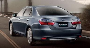 2015-Toyota-Camry-Hybrid-facelift-Thailand-press-shot-rear-1024x545