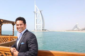 SRT against The Burj Al Arab (1)