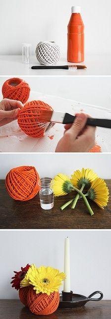 Cómo hacer jarrones con ovillos de lana viejos
