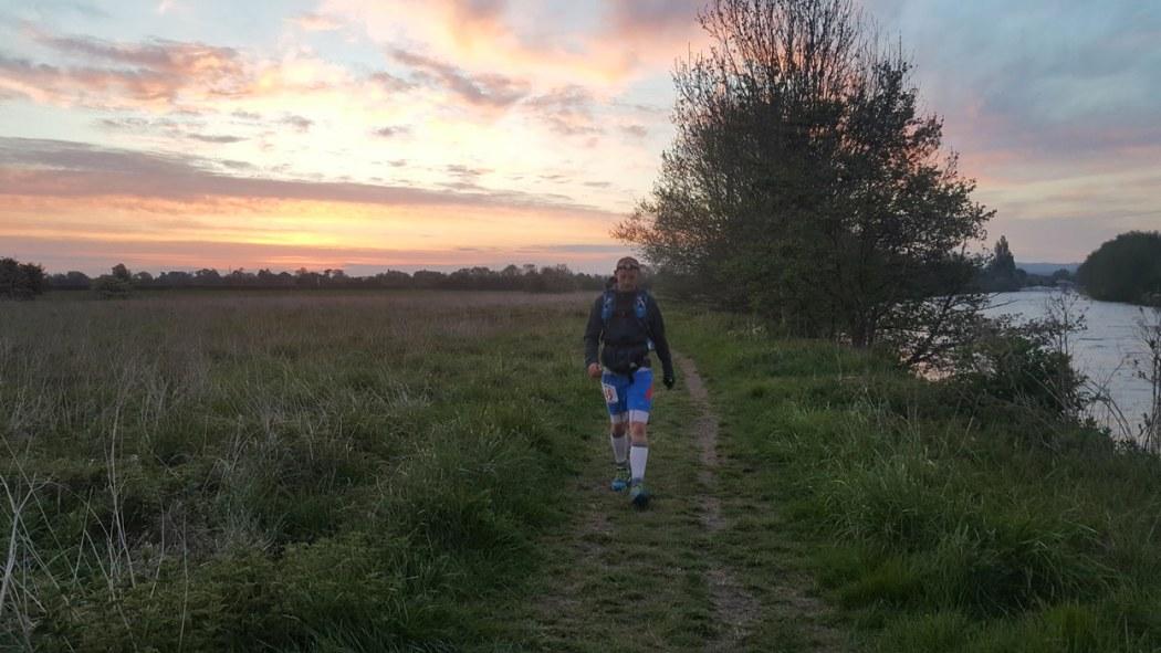 Centurion Running Thames 100 sunrise