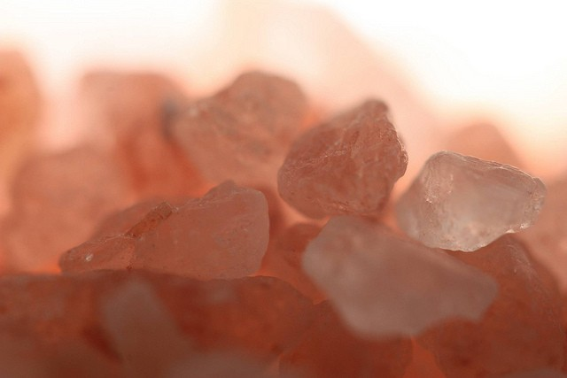 Comment utiliser le sel cristallin de l'Himalaya pour guérir