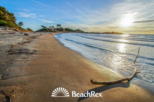 The south of France has a beach gem of its own. It's called Beach de la Galère and it is located near the town Cabasson.