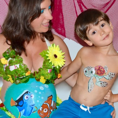 Body paint barriga embarazada Nemo tortuga