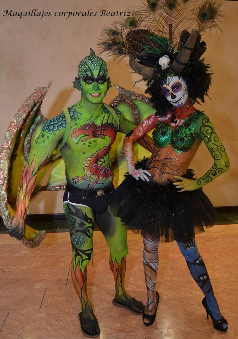 Pareja de body paint Halloween