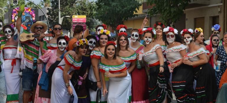 Desfile de carrozas en Alhama de Murcia