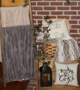 log-home-winter-decor-blanket-ladder-cozy-pillows-2