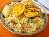 Eggs Vegetable Pulao : The most easiest, delicious and flavorful biryani that one can make at home with very few ingredients. When you have short time this is the best...