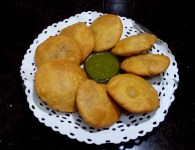 Makka Kachori is the indian snack. This tasty snack can be made using various types of stuffings and different methods. Here , is the recipe of Makka Kachori that is not only...