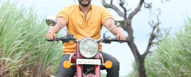 Hardeek Joshi Marathi Actor Hardeek Joshi is a Marathi TV serial actor.he was seen in the marathi serial Tuzyat jiv rangala ,on the zee marathi, in that serial he was...