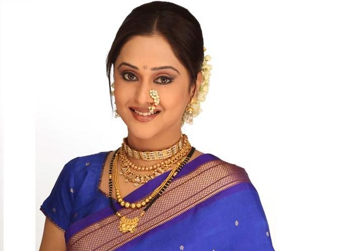 Shivaji Maharaj Full Hd Wallpaper Mrinal Kulkarni Actress Son Biography Family