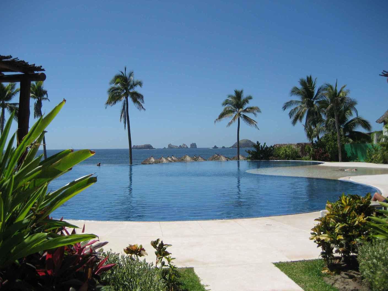 Ixtapa zihuatanejo un lugar tur stico en m xico for Casas jardin del mar