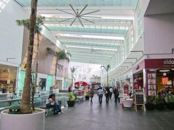 Plaza-Las-Americas