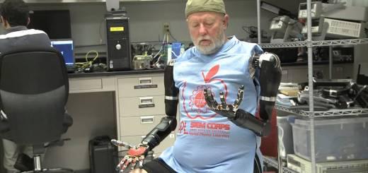 Desarrollan nueva prótesis que puede moverse con el pensamiento