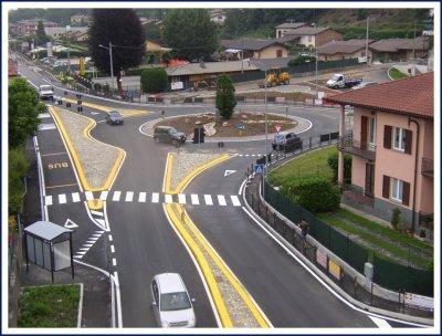 Sicurezza stradale e fluidità del traffico: meglio semafori o rotatorie?