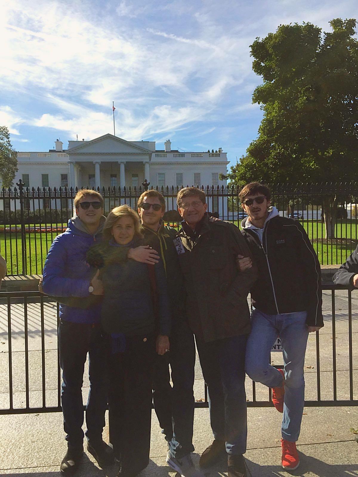 Mia sorella Lorenza con i suoi uomini: il marito Piero e i suoi tre figli