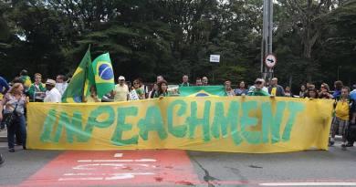 IMP  SÃO PAULO  15/11/2014  NACIONAL IMPEACHEMENT  Manifestação contra a presidente Dilma Rousseff , realizada na avenida Paulista . FOTO JF DIORIO  / ESTADÃO CONTEÚDO