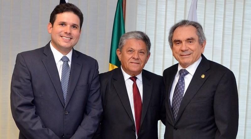 Senador Lira agenda apoio ao pleito do prefeito Verissinho