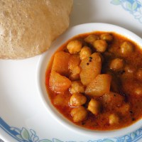 Curried Chickpeas and Potatoes