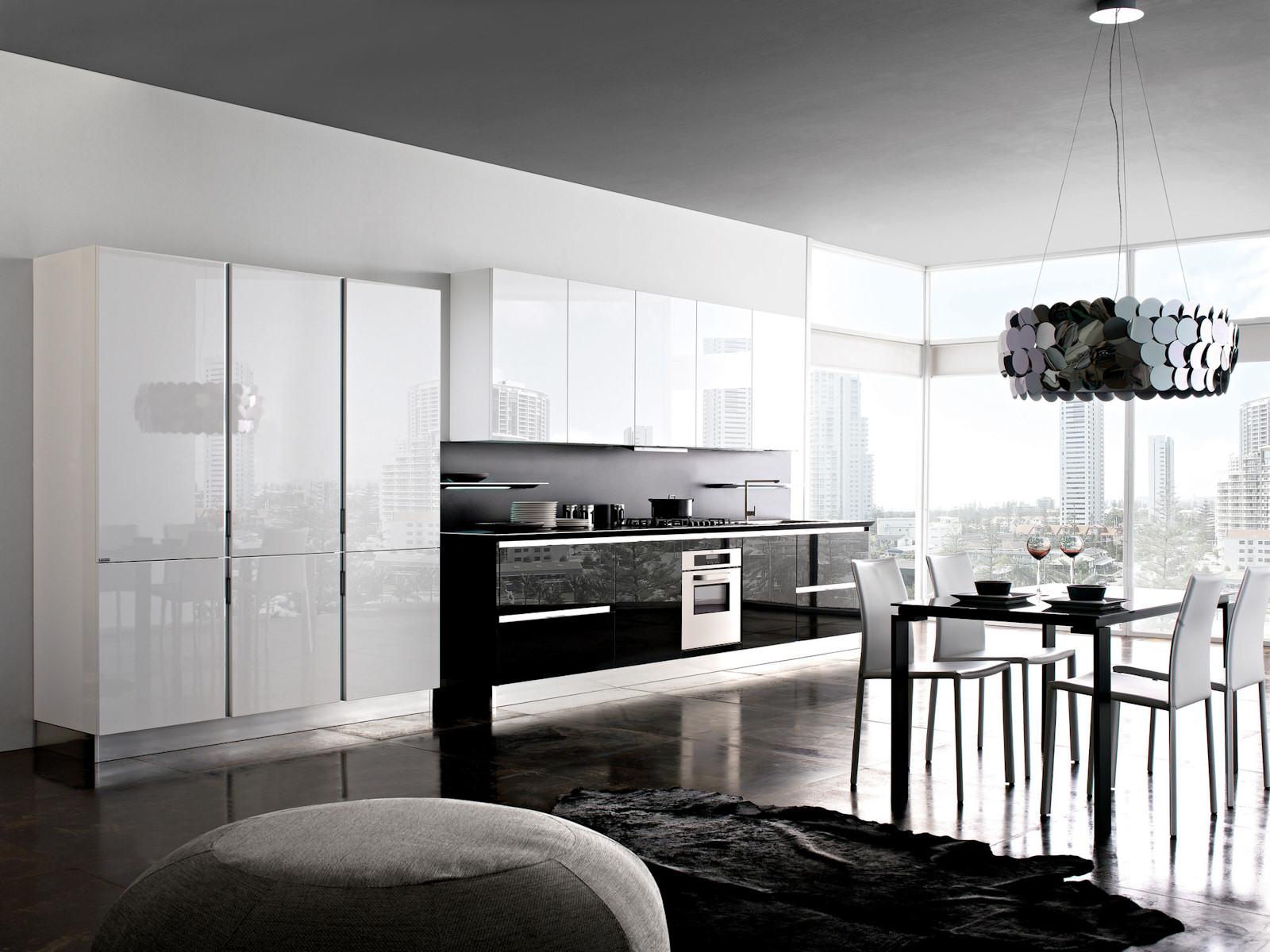 Cucina moderna laccata lucida - Mariani Arreda