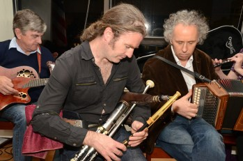Uilleann pipes and Irish traditional session