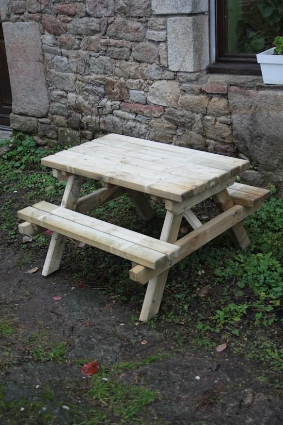 La petite table de pique nique le blog de marjoliemaman - La petite table eygalieres ...