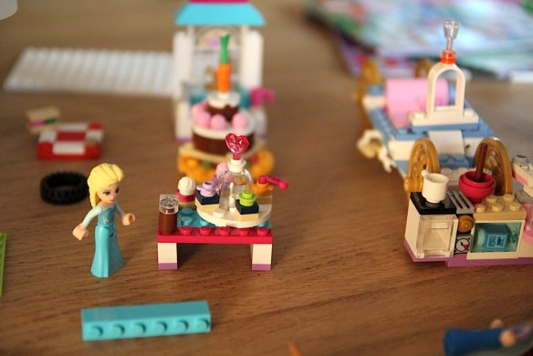 Lego_friends02
