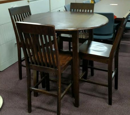 wood-cafe-table-chairs