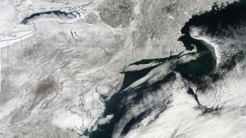 EL NINO GONE BUT WARM POOL IN GULF OF ALASKA RETURNS, COLDER US WINTER?