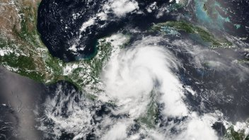 Hurricane Earl Makes Landfall Nr Belize City, Only 4th Landfall Since 1980