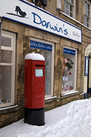 Image showing a Royal Mail postbox in the snow (levels adjusted)