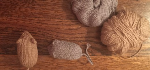 Knitted Mouse Catnip Cat Toy