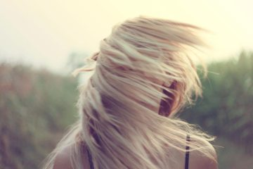 blonde-girl-hairs-1206-825x550