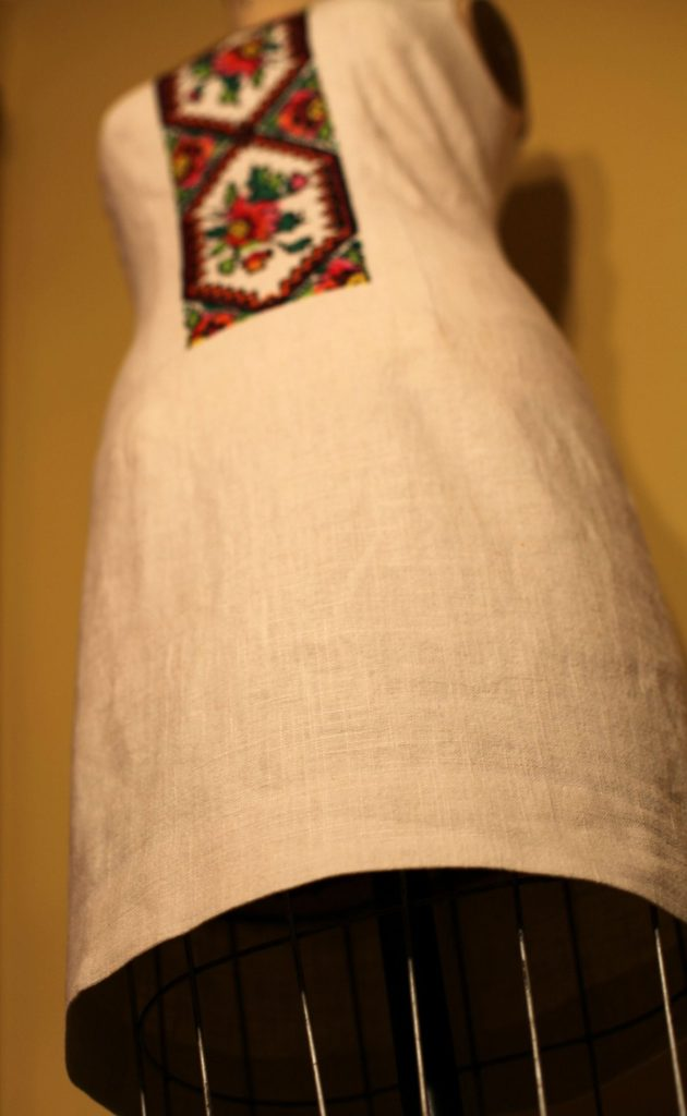 Full embroidered Ukrainian dress anagrassia small