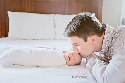 Lifestyle newborn photographer - Mary Tweedy Newborn, Baby ...