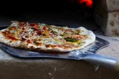 Pizza uit de leemoven