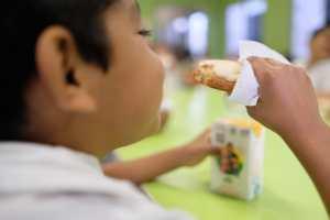 Niños alimentacion dif2