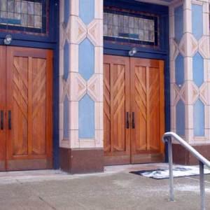 Poale Zedeck doors