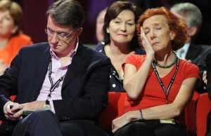 Bad presenters bore audiences.