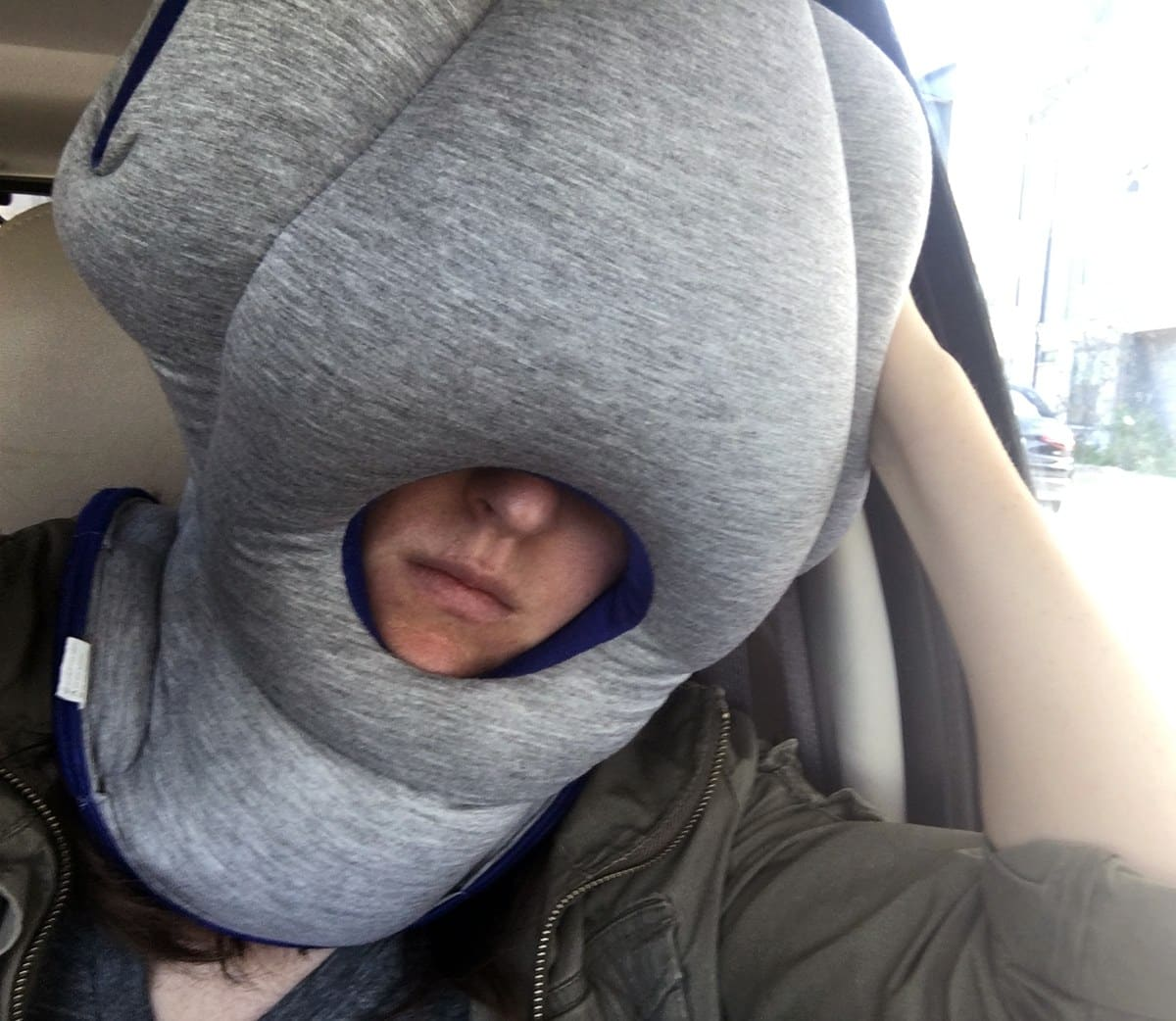 Ostrich Pillow Video. Ostrich Pillow Travel Pillow Review