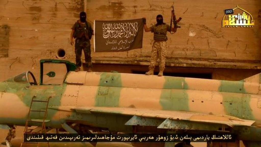 Jihadisti cinesi hanno preso la base di Abu Dhour