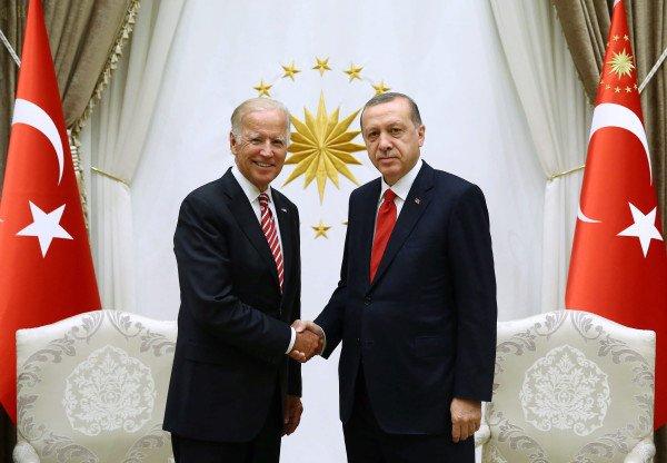 Trionfo  di Erdogan. L'America si umilia e  lo aiuta a cacciare i curdi.