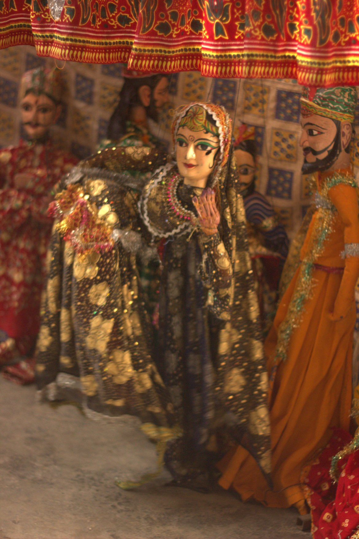 A Rajasthani puppet show in progress at Kathputli Colony
